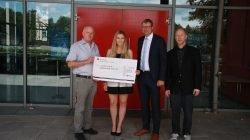 1000 Euro – Spende an die Kinderkrebshilfe